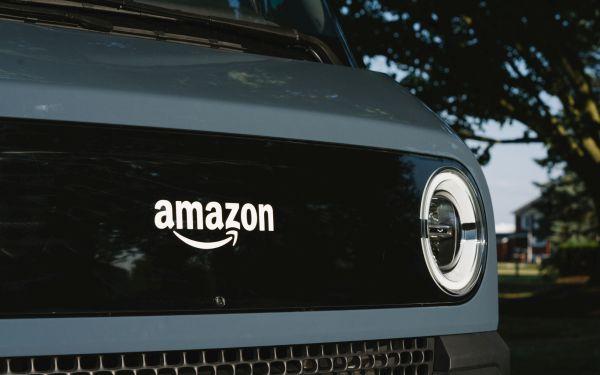 Amazon:furgone per consegne 'green', 100mila nel 2030