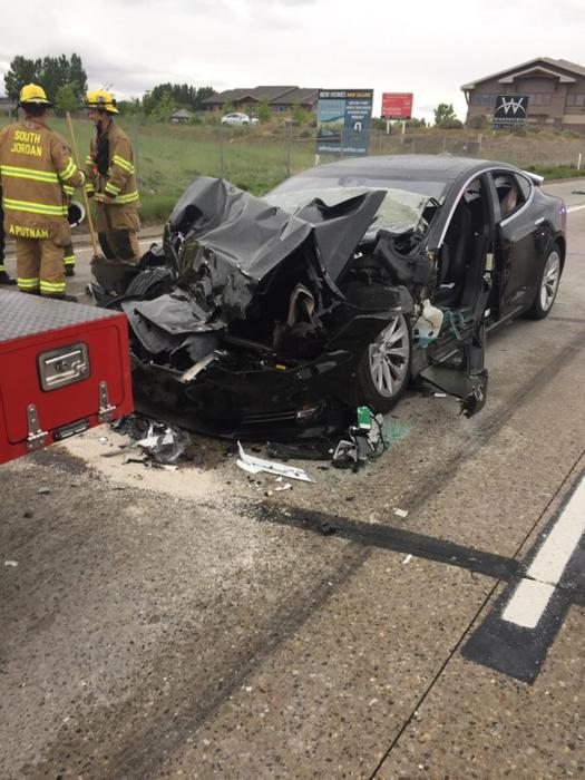 Tesla Model S incidente nello Utah