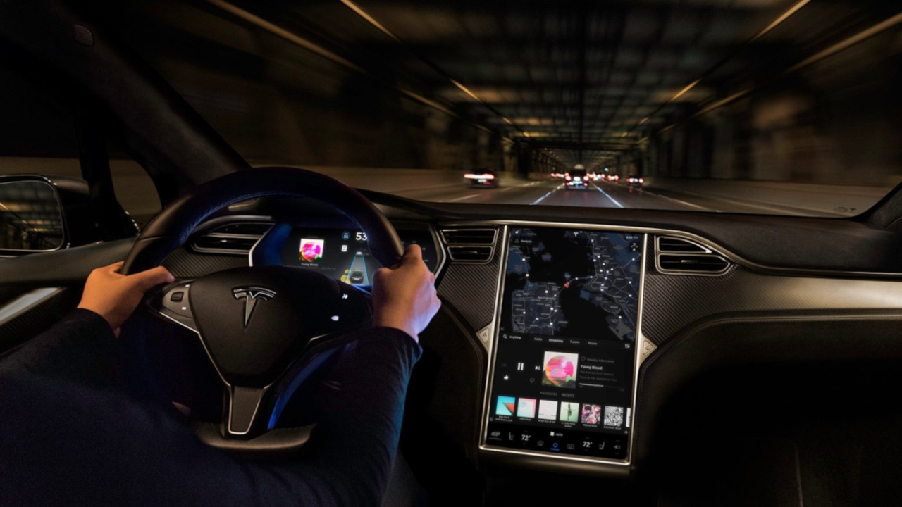 Tesla - guida autonoma