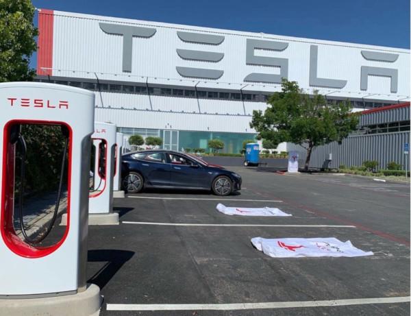 Tesla apre le prime stazioni Supercharger V3: fino 250 kW di